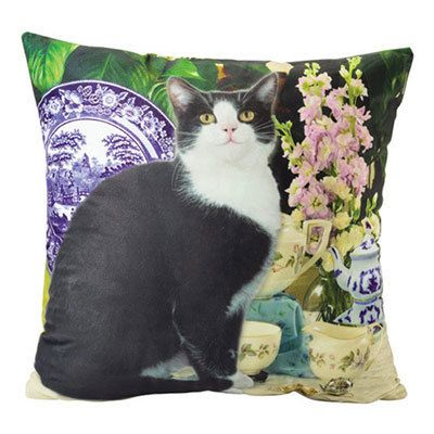 Regal Kitty Pillow Cover